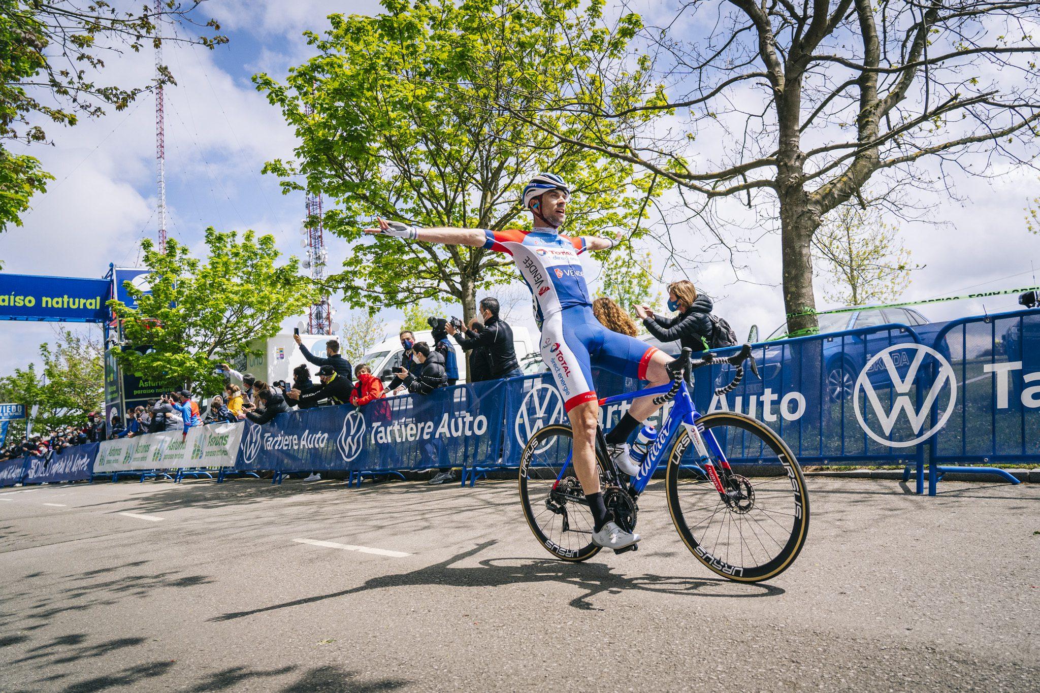 Pierre Latour ouvre son compteur de victoire avec le Team !