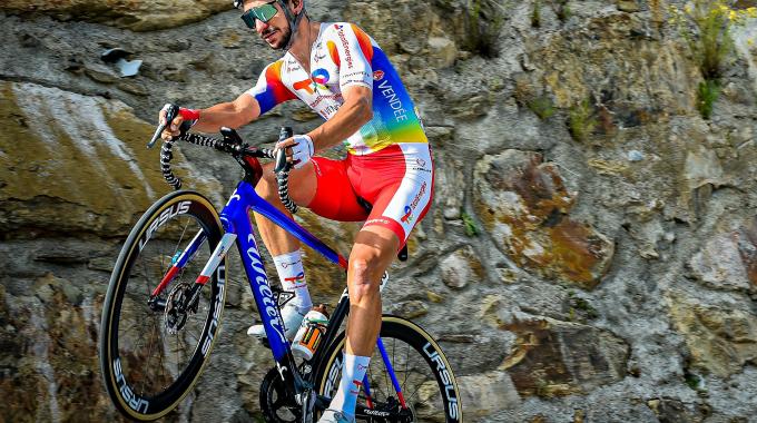 Anthony Turgis en bleu, blanc, rouge